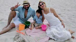 Kareena Kapoor Khan Age Kareena Kapoor Birthday Date, Images, Photos, Son, Birthdate, Height, Picture In Saree, Net Worth, Husband, Family, Instagram (47)