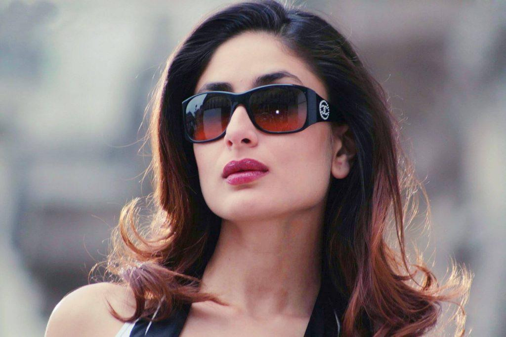 Kareena Kapoor Khan Age Kareena Kapoor Birthday Date, Images, Photos, Son, Birthdate, Height, Picture In Saree, Net Worth, Husband, Family, Instagram (54)