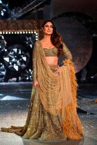 Kareena Kapoor Khan Age Kareena Kapoor Birthday Date, Images, Photos, Son, Birthdate, Height, Picture In Saree, Net Worth, Husband, Family, Instagram (61)
