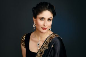 Kareena Kapoor Khan Age Kareena Kapoor Birthday Date, Images, Photos, Son, Birthdate, Height, Picture In Saree, Net Worth, Husband, Family, Instagram (7)