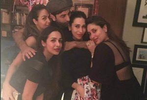 Kareena Kapoor Khan Age Kareena Kapoor Birthday Date, Images, Photos, Son, Birthdate, Height, Picture In Saree, Net Worth, Husband, Family, Instagram (76)