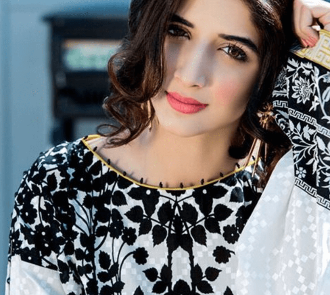 Mawra Hocane Age, Husband, Images(pic), Biography, Education, Height, Sister, Birthday, Family, , Net Worth, Instagram, Twitter, Wiki, Facebook, Imdb (1)