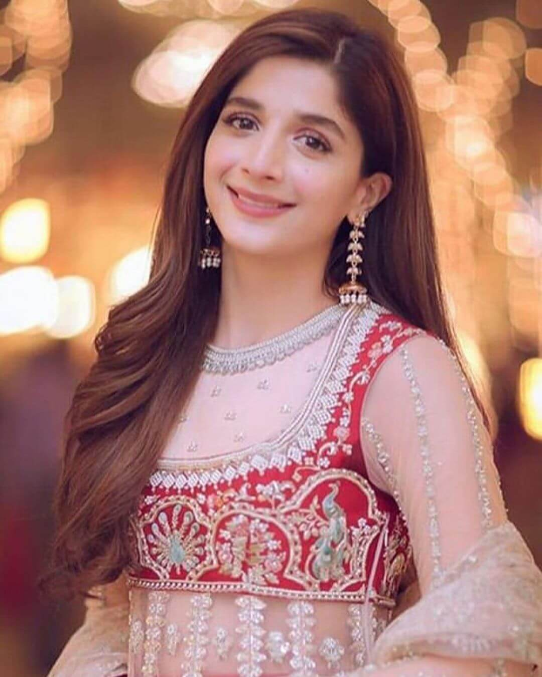 Mawra Hocane Age, Husband, Images(pic), Biography, Education, Height, Sister, Birthday, Family, , Net Worth, Instagram, Twitter, Wiki, Facebook, Imdb (12)