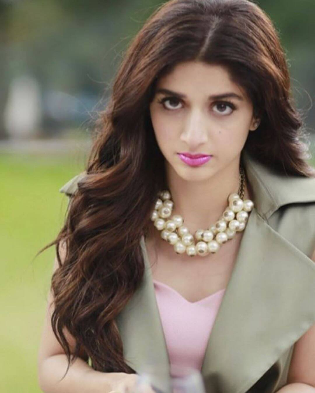 Mawra Hocane Age, Husband, Images(pic), Biography, Education, Height, Sister, Birthday, Family, , Net Worth, Instagram, Twitter, Wiki, Facebook, Imdb (14)