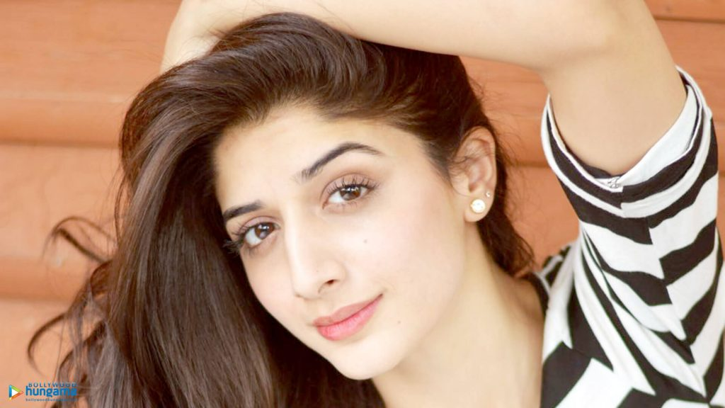 Mawra Hocane Age, Husband, Images(pic), Biography, Education, Height, Sister, Birthday, Family, , Net Worth, Instagram, Twitter, Wiki, Facebook, Imdb (15)