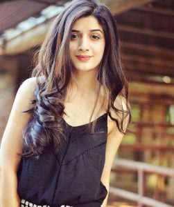 Mawra Hocane Age, Husband, Images(pic), Biography, Education, Height, Sister, Birthday, Family, , Net Worth, Instagram, Twitter, Wiki, Facebook, Imdb (16)