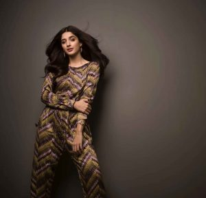 Mawra Hocane Age, Husband, Images(pic), Biography, Education, Height, Sister, Birthday, Family, , Net Worth, Instagram, Twitter, Wiki, Facebook, Imdb (25)