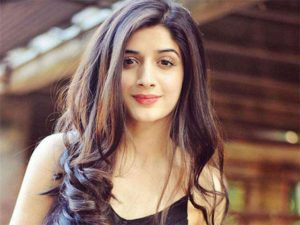 Mawra Hocane Age, Husband, Images(pic), Biography, Education, Height, Sister, Birthday, Family, , Net Worth, Instagram, Twitter, Wiki, Facebook, Imdb (27)