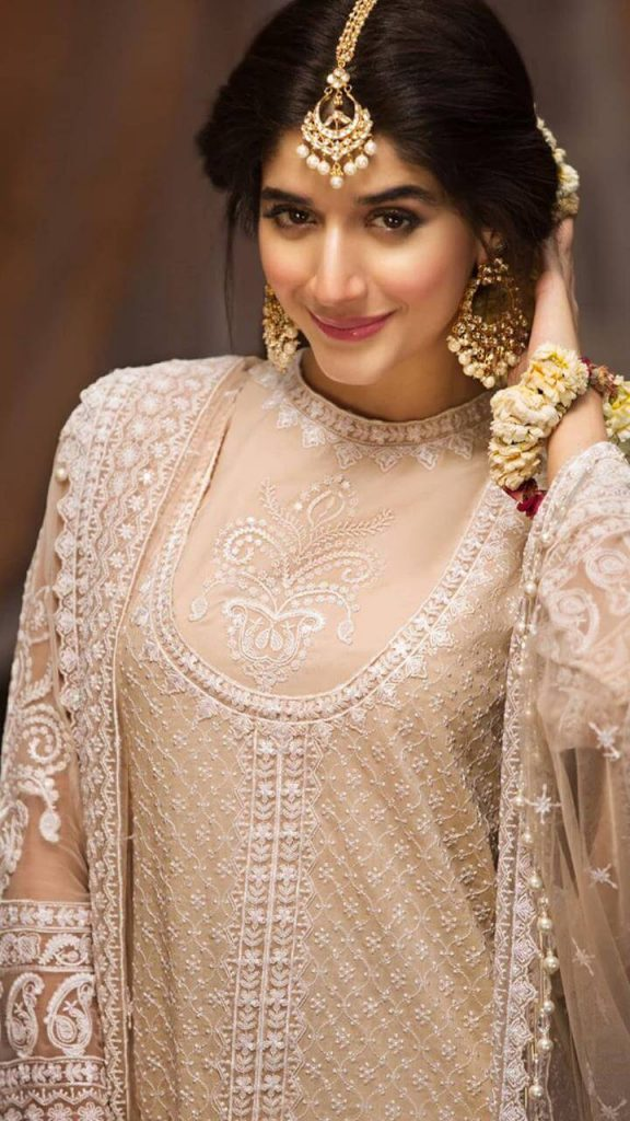 Mawra Hocane Age, Husband, Images(pic), Biography, Education, Height, Sister, Birthday, Family, , Net Worth, Instagram, Twitter, Wiki, Facebook, Imdb (32)