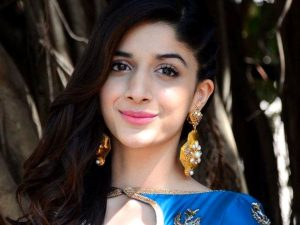 Mawra Hocane Age, Husband, Images(pic), Biography, Education, Height, Sister, Birthday, Family, , Net Worth, Instagram, Twitter, Wiki, Facebook, Imdb (34)