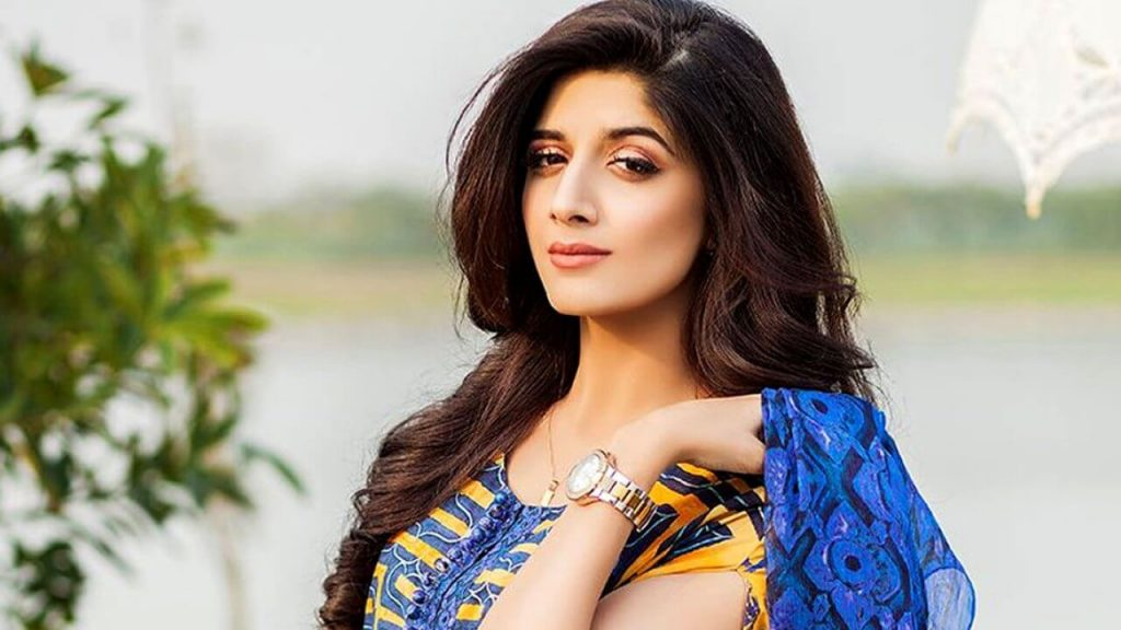 Mawra Hocane Age, Husband, Images(pic), Biography, Education, Height, Sister, Birthday, Family, , Net Worth, Instagram, Twitter, Wiki, Facebook, Imdb (4)