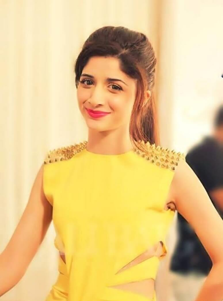 Mawra Hocane Age, Husband, Images(pic), Biography, Education, Height, Sister, Birthday, Family, , Net Worth, Instagram, Twitter, Wiki, Facebook, Imdb (47)
