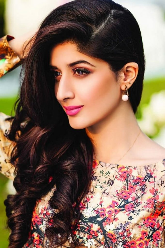 Mawra Hocane Age, Husband, Images(pic), Biography, Education, Height, Sister, Birthday, Family, , Net Worth, Instagram, Twitter, Wiki, Facebook, Imdb (55)