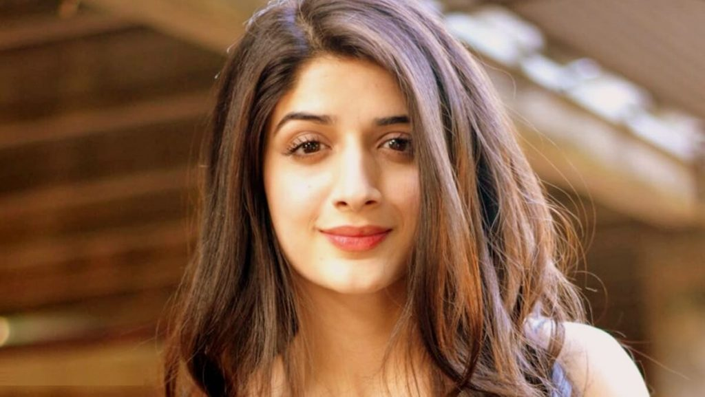 Mawra Hocane Age, Husband, Images(pic), Biography, Education, Height, Sister, Birthday, Family, , Net Worth, Instagram, Twitter, Wiki, Facebook, Imdb (7)