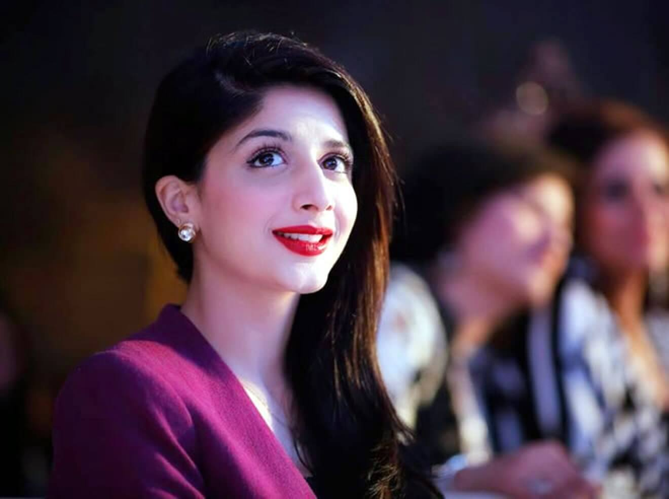 Mawra Hocane Age, Husband, Images(pic), Biography, Education, Height, Sister, Birthday, Family, , Net Worth, Instagram, Twitter, Wiki, Facebook, Imdb (8)
