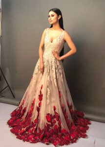 Mouni Roy Age, Photo(images), Boyfriend, Bio, Height, Family, Date Of Birth, Net Worth, Details, Hairstyle, Height, Education, Instagram, Wiki, Twitter, Facebook, Imdb, Youtube (20)