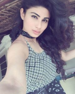 Mouni Roy Age, Photo(images), Boyfriend, Bio, Height, Family, Date Of Birth, Net Worth, Details, Hairstyle, Height, Education, Instagram, Wiki, Twitter, Facebook, Imdb, Youtube (21)