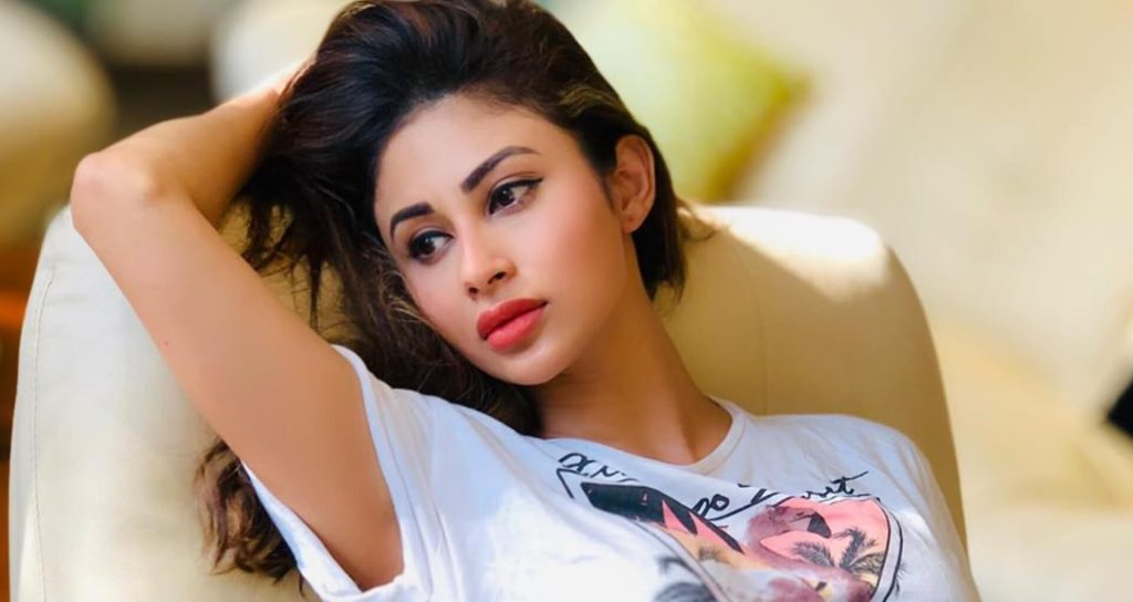 Mouni Roy Age, Photo(images), Boyfriend, Bio, Height, Family, Date Of Birth, Net Worth, Details, Hairstyle, Height, Education, Instagram, Wiki, Twitter, Facebook, Imdb, Youtube (26)