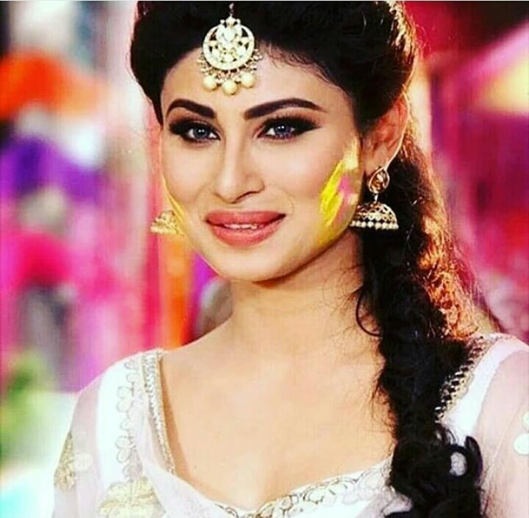 Mouni Roy Age, Photo(images), Boyfriend, Bio, Height, Family, Date Of Birth, Net Worth, Details, Hairstyle, Height, Education, Instagram, Wiki, Twitter, Facebook, Imdb, Youtube (39)