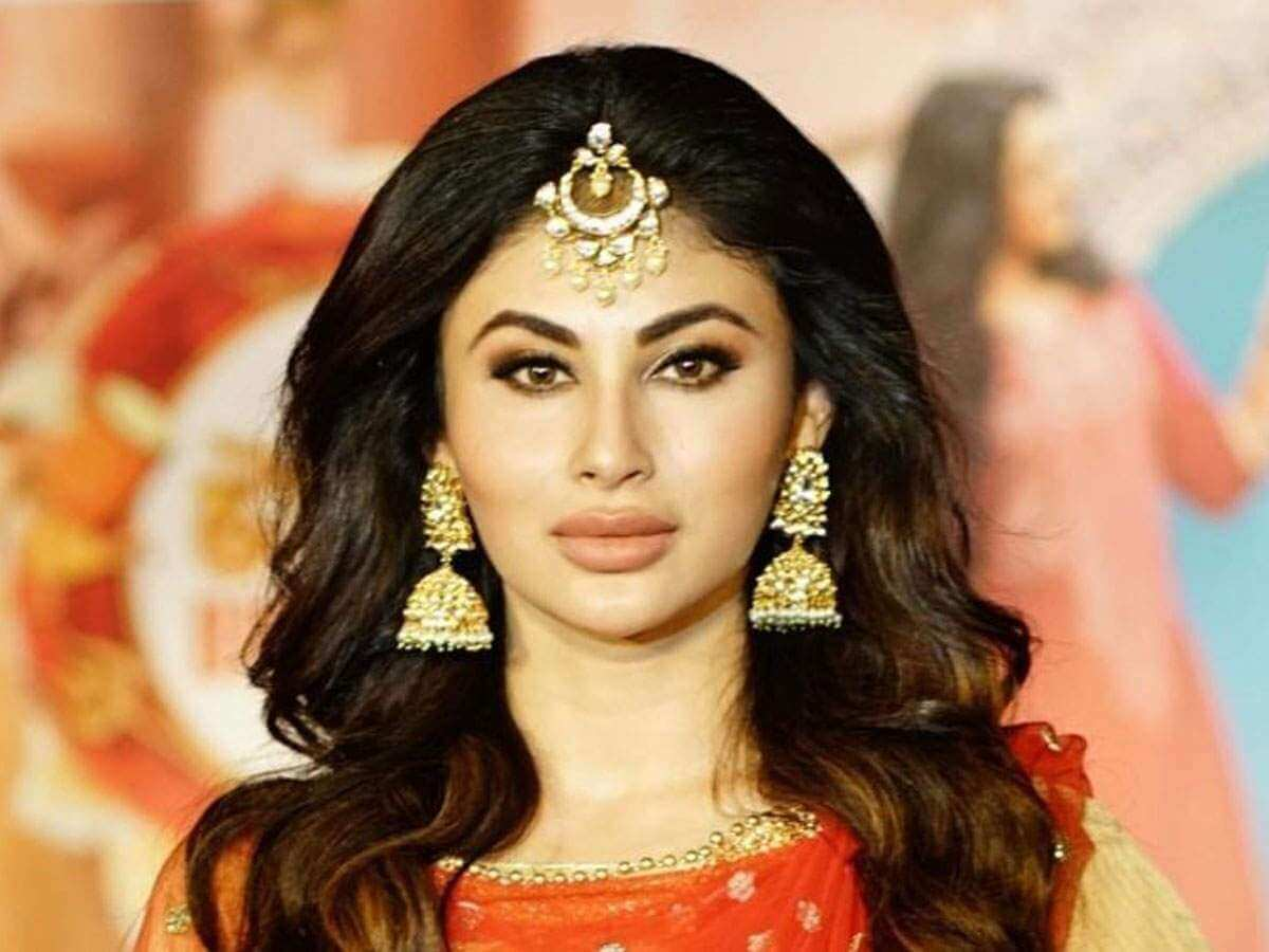 Mouni Roy Age, Photo(images), Boyfriend, Bio, Height, Family, Date Of Birth, Net Worth, Details, Hairstyle, Height, Education, Instagram, Wiki, Twitter, Facebook, Imdb, Youtube (51)