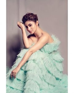 Mouni Roy Age, Photo(images), Boyfriend, Bio, Height, Family, Date Of Birth, Net Worth, Details, Hairstyle, Height, Education, Instagram, Wiki, Twitter, Facebook, Imdb, Youtube (59)