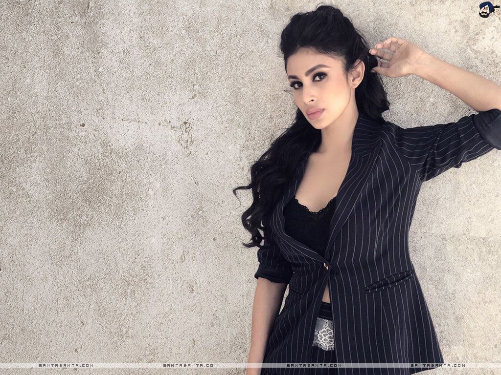 Mouni Roy Age, Photo(images), Boyfriend, Bio, Height, Family, Date Of Birth, Net Worth, Details, Hairstyle, Height, Education, Instagram, Wiki, Twitter, Facebook, Imdb, Youtube (6)