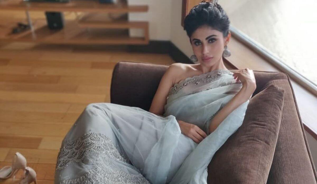 Mouni Roy Age, Photo(images), Boyfriend, Bio, Height, Family, Date Of Birth, Net Worth, Details, Hairstyle, Height, Education, Instagram, Wiki, Twitter, Facebook, Imdb, Youtube (62)