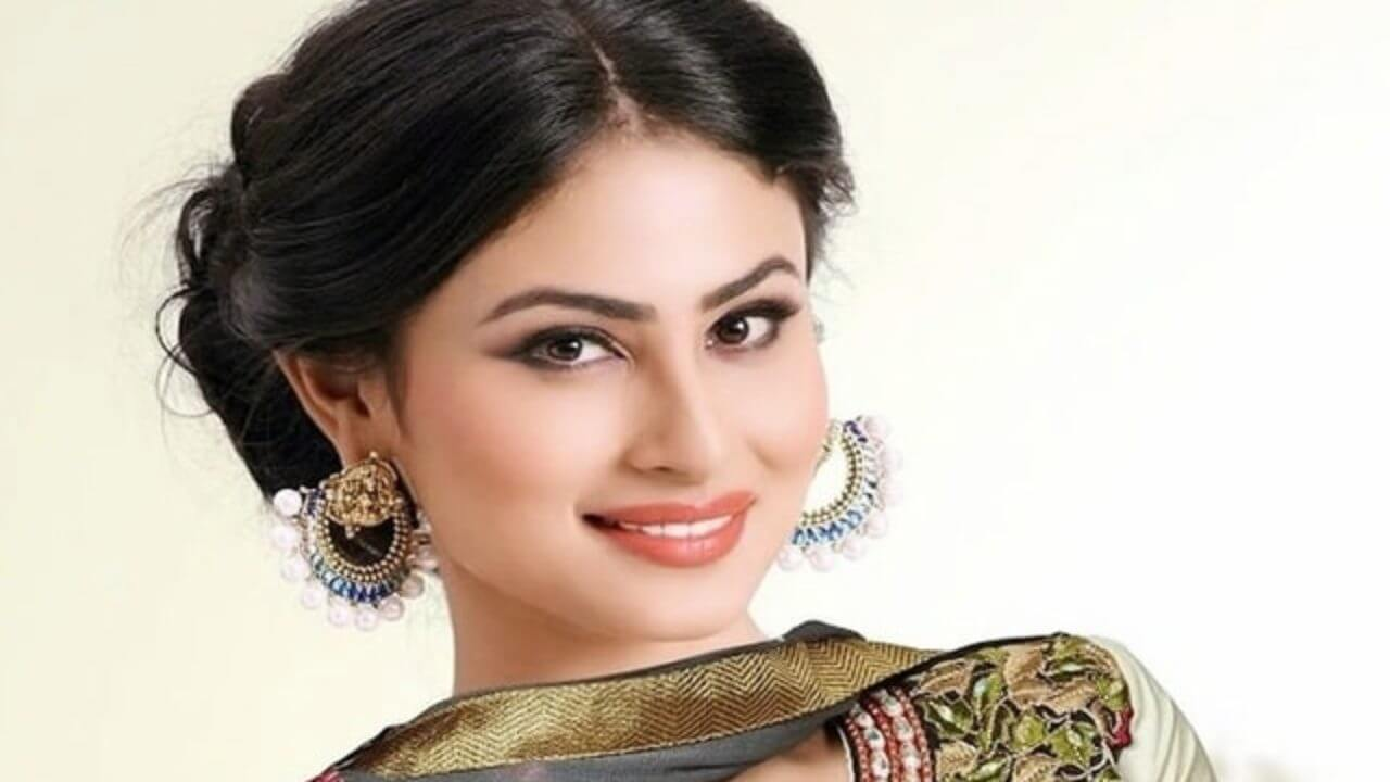 Mouni Roy Age, Photo(images), Boyfriend, Bio, Height, Family, Date Of Birth, Net Worth, Details, Hairstyle, Height, Education, Instagram, Wiki, Twitter, Facebook, Imdb, Youtube (73)
