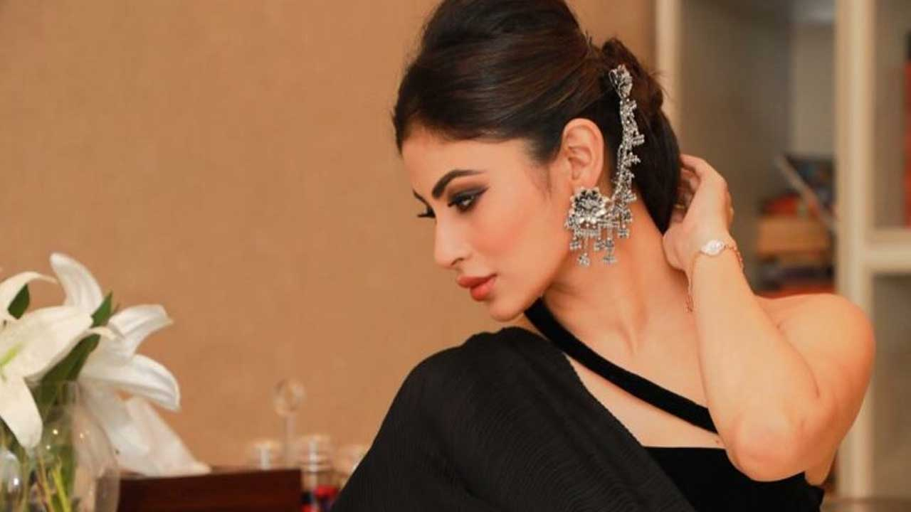 Mouni Roy Age, Photo(images), Boyfriend, Bio, Height, Family, Date Of Birth, Net Worth, Details, Hairstyle, Height, Education, Instagram, Wiki, Twitter, Facebook, Imdb, Youtube (76)