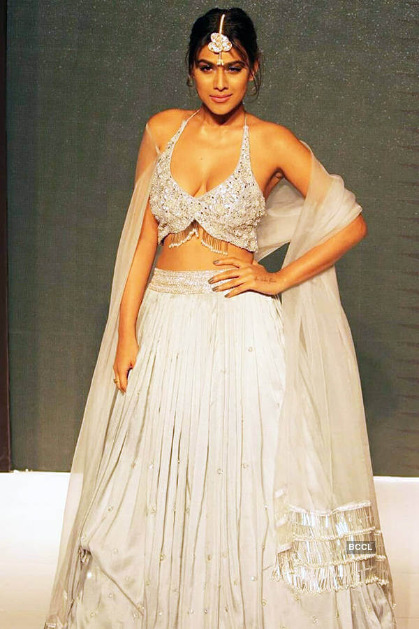 Nia Sharma Date Of Birth, Biography, Age, Height, Family, Boyfriend, Net Worth, Awards, Pictures(images), Education, Awards, Instagram,twitter, Wiki, Facebook, Youtube, Imdb (11)