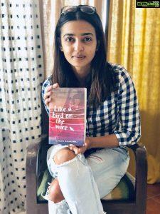 Radhika Apte Biography, Birthday, Age, Husband, Details, Education, Net Worth, Height, Images(photos), Wiki, Website, Instagram, Awards, Twitter, Facebook, Youtube, Imdb (1)