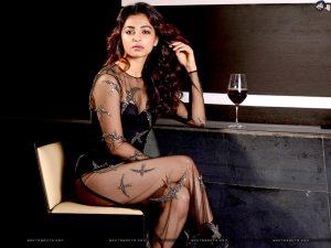 Radhika Apte Biography, Birthday, Age, Husband, Details, Education, Net Worth, Height, Images(photos), Wiki, Website, Instagram, Awards, Twitter, Facebook, Youtube, Imdb (46)