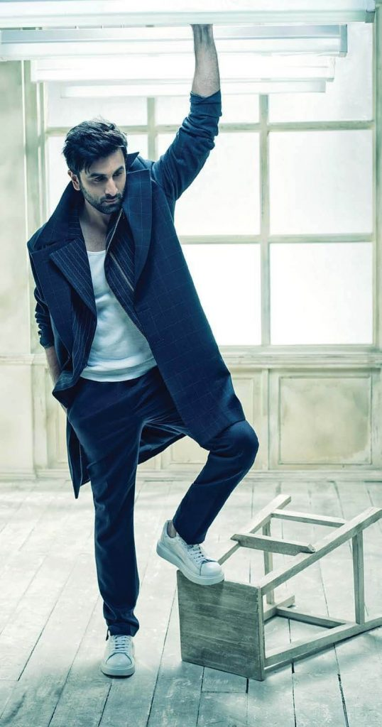 Ranbir Kapoor Birthdate, Net Worth, Height, Age, Images(photos), Wife, Father, Sister, Hairstyle, Bio, Education, Awards, Residence, Instagram, Twitter, Facebook, Wiki, Imdb, Youtube, Website (1 (29)