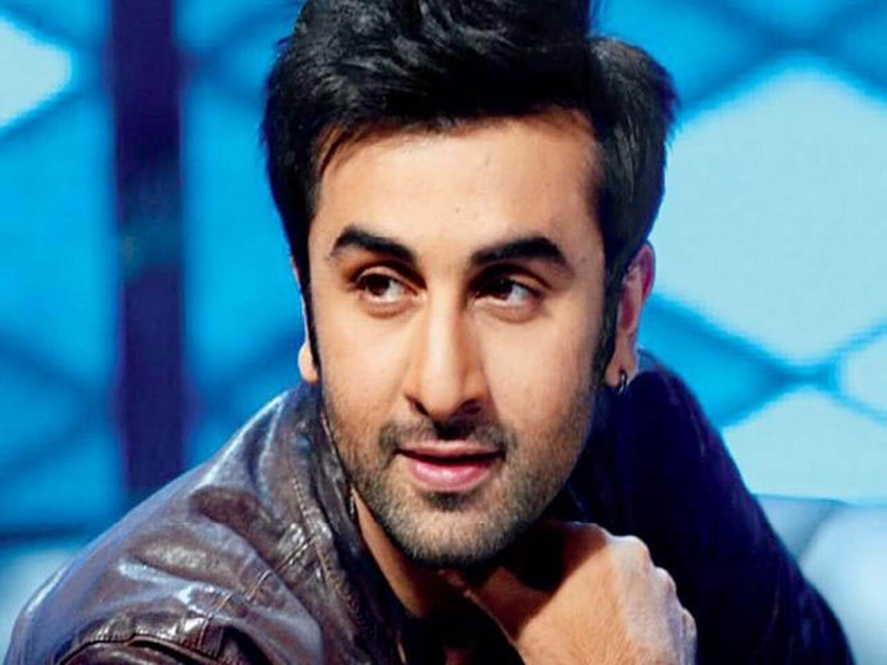 Ranbir Kapoor Birthdate, Net Worth, Height, Age, Images(photos), Wife, Father, Sister, Hairstyle, Bio, Education, Awards, Residence, Instagram, Twitter, Facebook, Wiki, Imdb, Youtube, Website (1 (38)