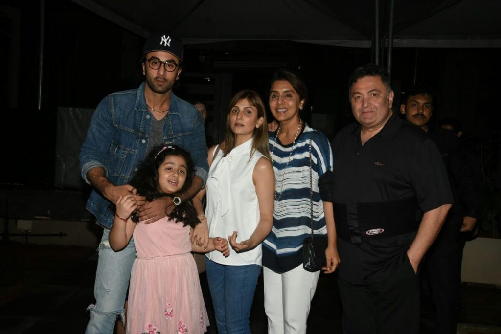 Ranbir Kapoor Birthdate, Net Worth, Height, Age, Images(photos), Wife, Father, Sister, Hairstyle, Bio, Education, Awards, Residence, Instagram, Twitter, Facebook, Wiki, Imdb, Youtube, Website (1 (43)
