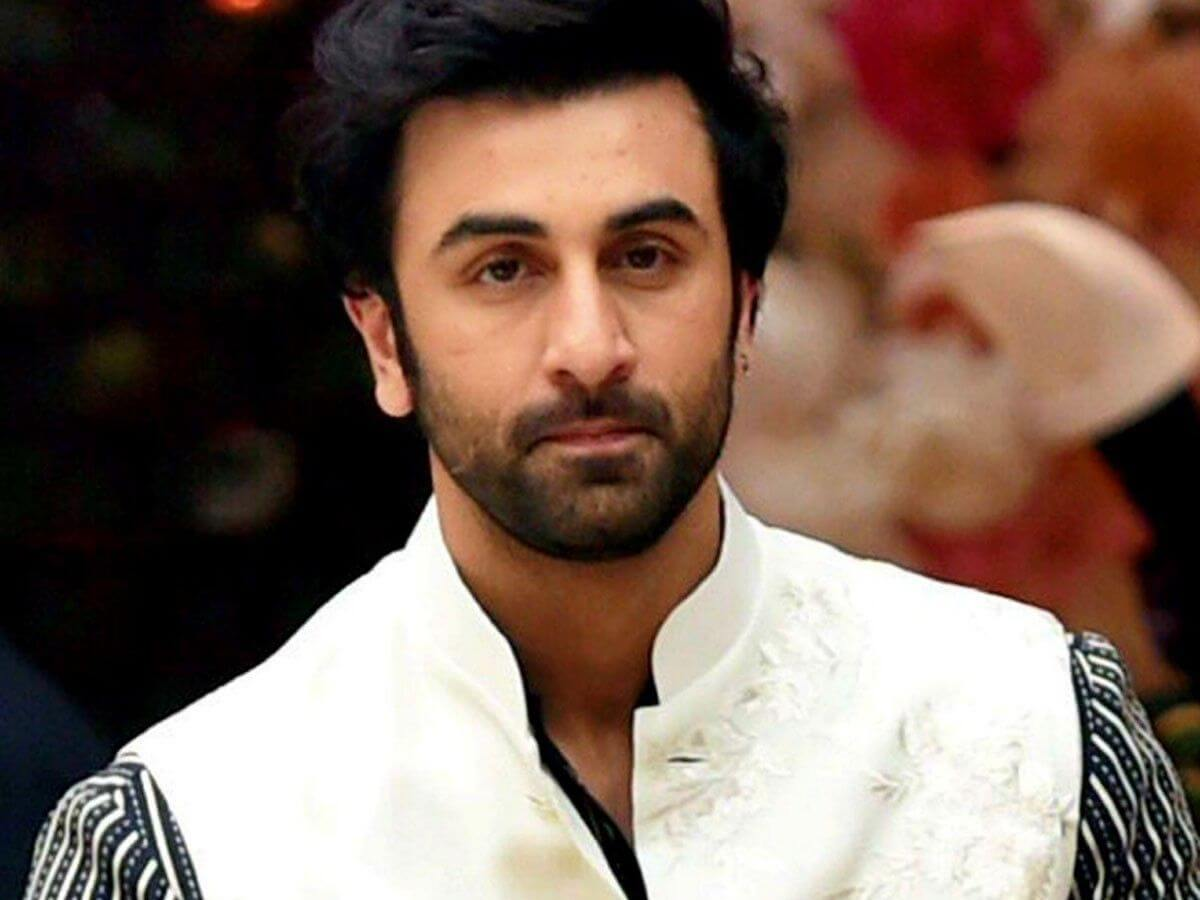 Ranbir Kapoor Birthdate, Net Worth, Height, Age, Images(photos), Wife, Father, Sister, Hairstyle, Bio, Education, Awards, Residence, Instagram, Twitter, Facebook, Wiki, Imdb, Youtube, Website (1 (45)
