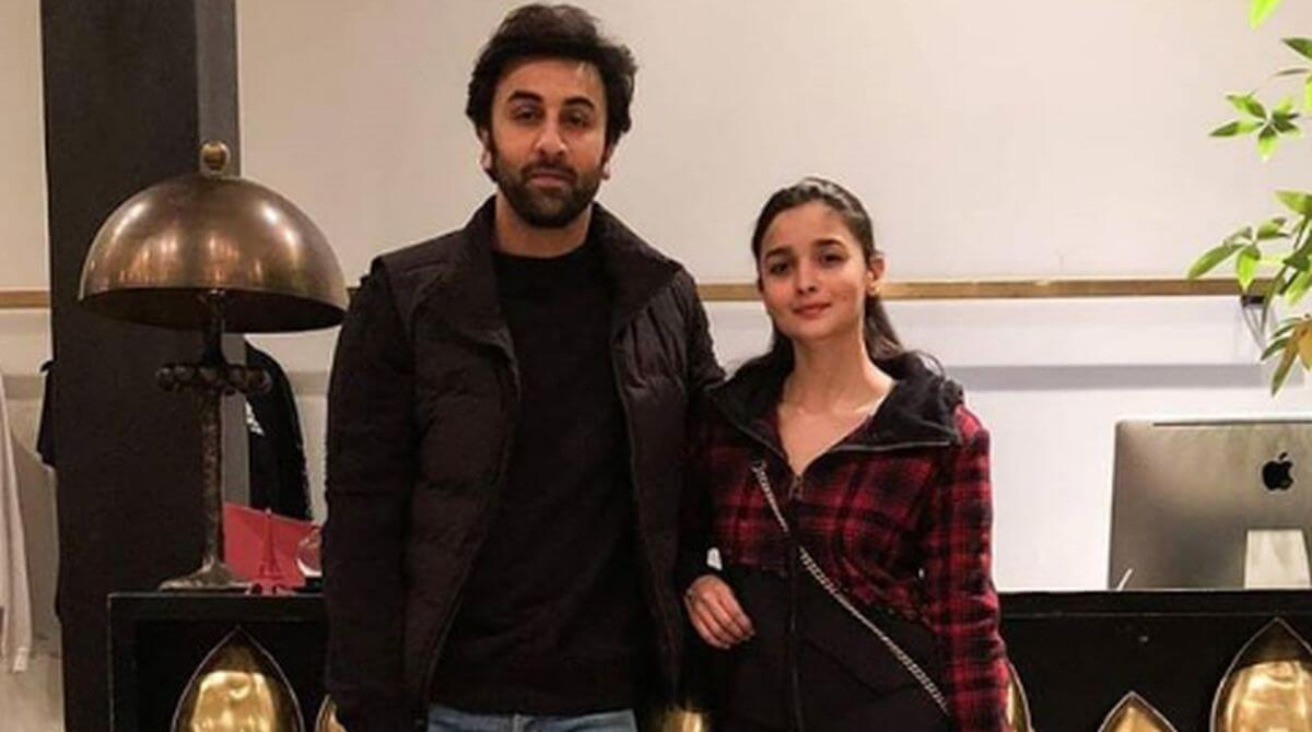 Ranbir Kapoor Birthdate, Net Worth, Height, Age, Images(photos), Wife, Father, Sister, Hairstyle, Bio, Education, Awards, Residence, Instagram, Twitter, Facebook, Wiki, Imdb, Youtube, Website (1 (57)