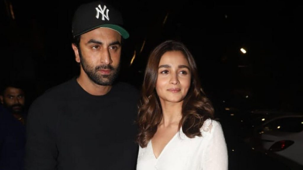 Ranbir Kapoor Birthdate, Net Worth, Height, Age, Images(photos), Wife, Father, Sister, Hairstyle, Bio, Education, Awards, Residence, Instagram, Twitter, Facebook, Wiki, Imdb, Youtube, Website (1 (69)