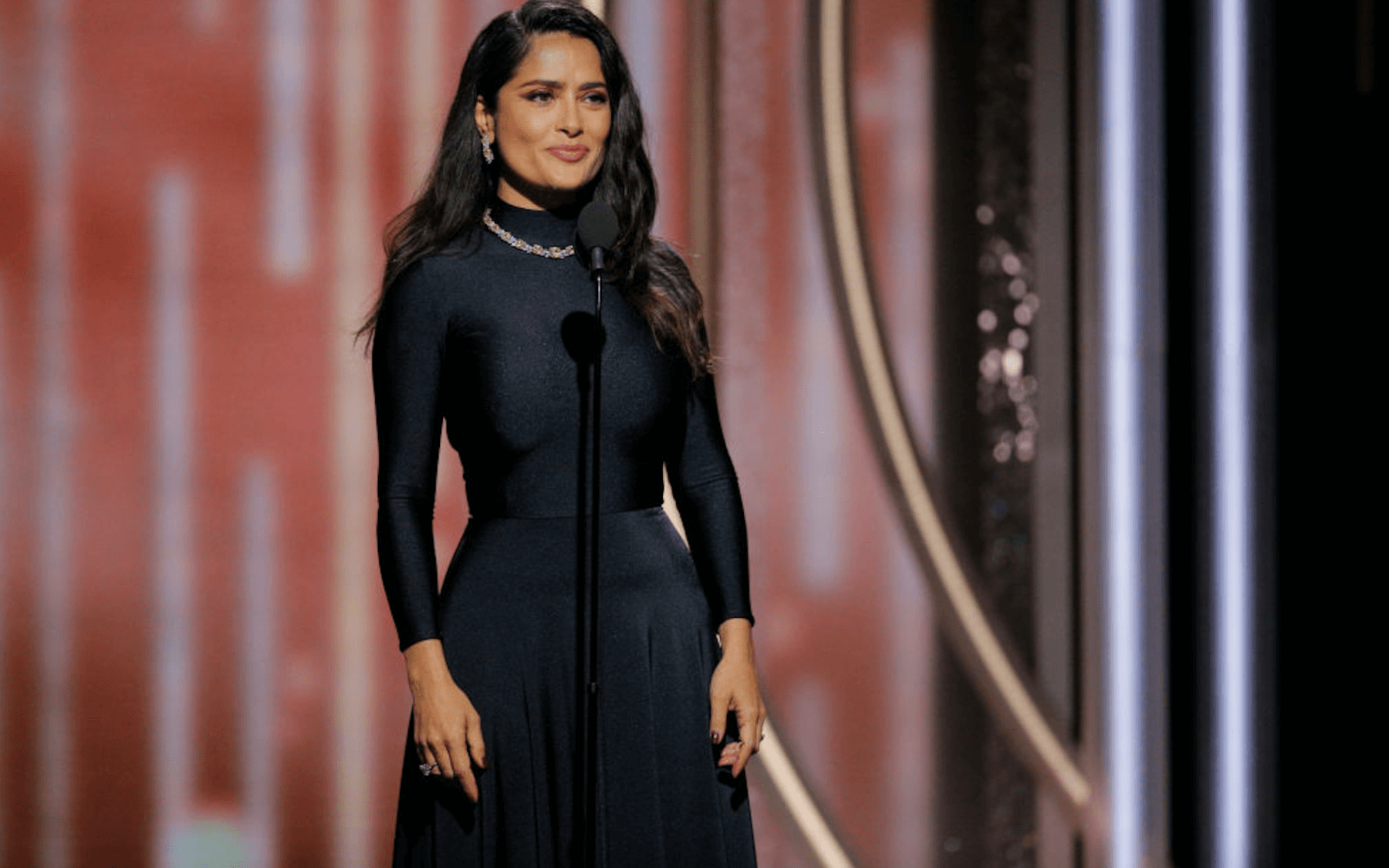 Salma Hayek Net Worth, Age, Husband, Height, Family, Images(photos), Daughter, Education, Birthday, Biography, Instagram, Residence, Birthplace, Wiki, Twitter, Facebook, Imdb, Youtube (1)