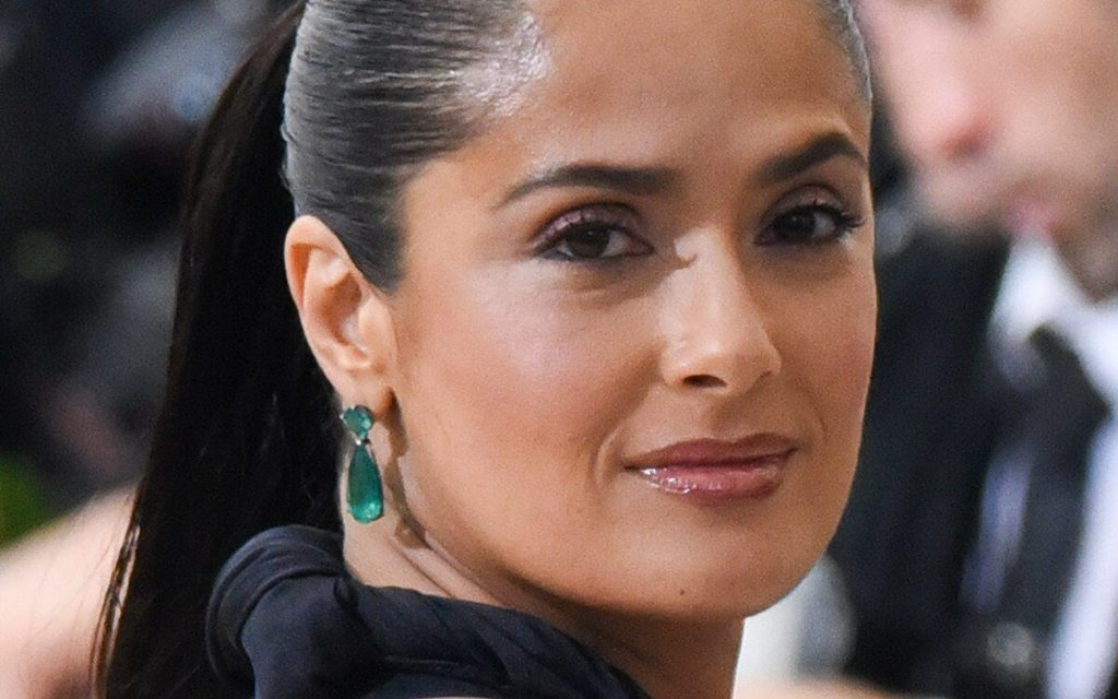 Salma Hayek Net Worth, Age, Husband, Height, Family, Images(photos), Daughter, Education, Birthday, Biography, Instagram, Residence, Birthplace, Wiki, Twitter, Facebook, Imdb, Youtube (25)
