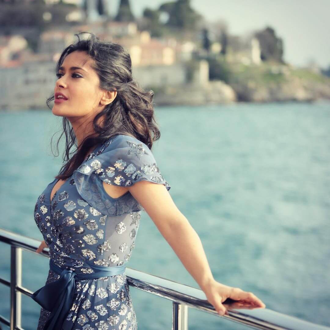 Salma Hayek Net Worth, Age, Husband, Height, Family, Images(photos), Daughter, Education, Birthday, Biography, Instagram, Residence, Birthplace, Wiki, Twitter, Facebook, Imdb, Youtube (41)