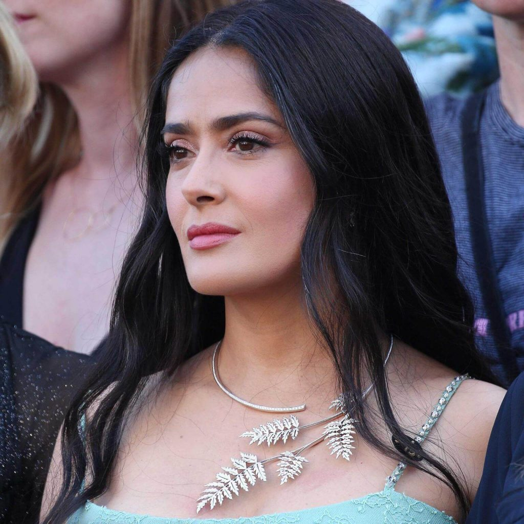 Salma Hayek Net Worth, Age, Husband, Height, Family, Images(photos), Daughter, Education, Birthday, Biography, Instagram, Residence, Birthplace, Wiki, Twitter, Facebook, Imdb, Youtube (53)