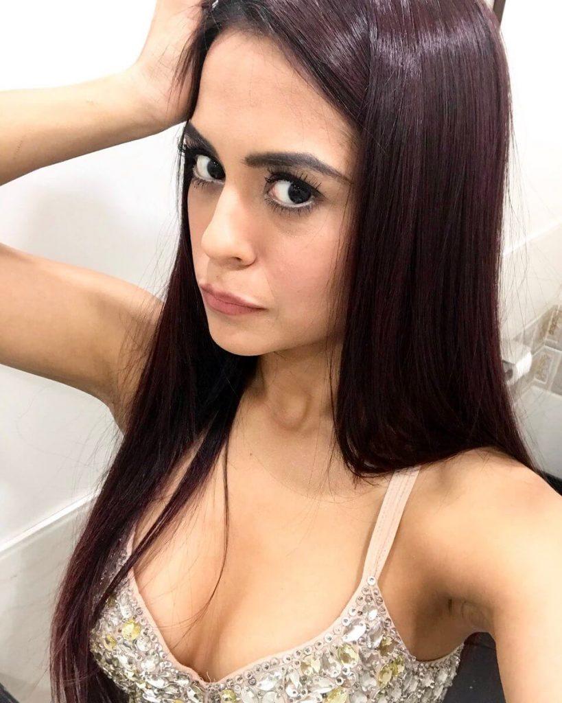Sana Saeed Age, Biography, Height, Image(pic), Date Of Birth, Family, Education, Net Worth, Boyfriend, Instagram, Wiki, Facebook, Imdb, Twitter (7)