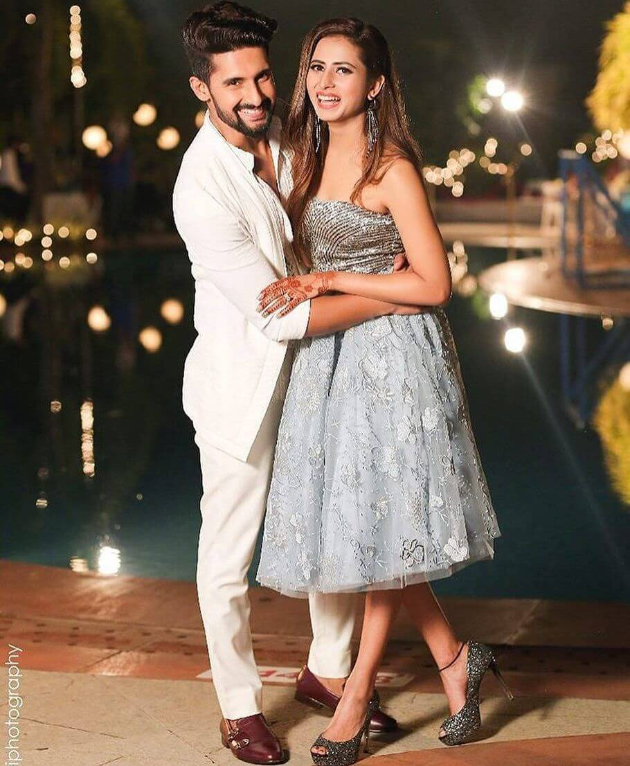 Sargun Mehta Dubey Date Of Birth, Biography, Age, Husband, Family, Height, Images(photos), Wiki, Instagram, Education, Imdb, Facebook, Twitter, Awards (14)
