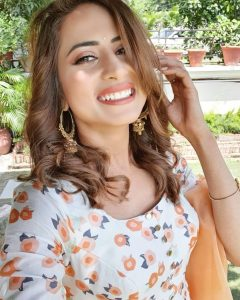 Sargun Mehta Dubey Date Of Birth, Biography, Age, Husband, Family, Height, Images(photos), Wiki, Instagram, Education, Imdb, Facebook, Twitter, Awards (37)