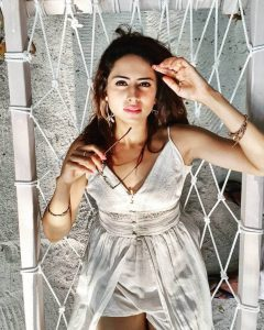 Sargun Mehta Dubey Date Of Birth, Biography, Age, Husband, Family, Height, Images(photos), Wiki, Instagram, Education, Imdb, Facebook, Twitter, Awards (5)