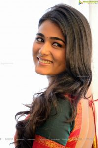 Shalini Pandey Height, Biography, Birthday, Family, Age, Details, Picture(image), Father, Date Of Birth, Boyfriend, Sister, Net Worth, Instagram, Twitter, Wiki, Facebook, Imdb (2)
