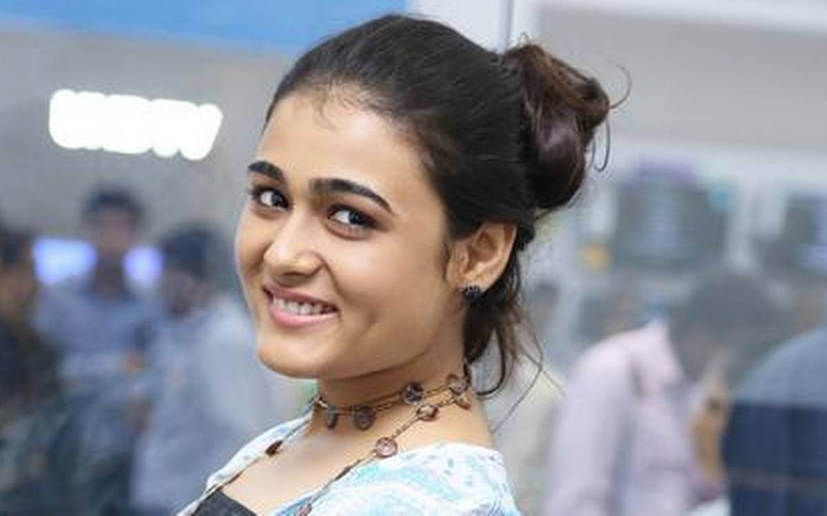 Shalini Pandey Height, Biography, Birthday, Family, Age, Details, Picture(image), Father, Date Of Birth, Boyfriend, Sister, Net Worth, Instagram, Twitter, Wiki, Facebook, Imdb (23)