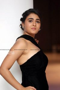 Shalini Pandey Height, Biography, Birthday, Family, Age, Details, Picture(image), Father, Date Of Birth, Boyfriend, Sister, Net Worth, Instagram, Twitter, Wiki, Facebook, Imdb (31)