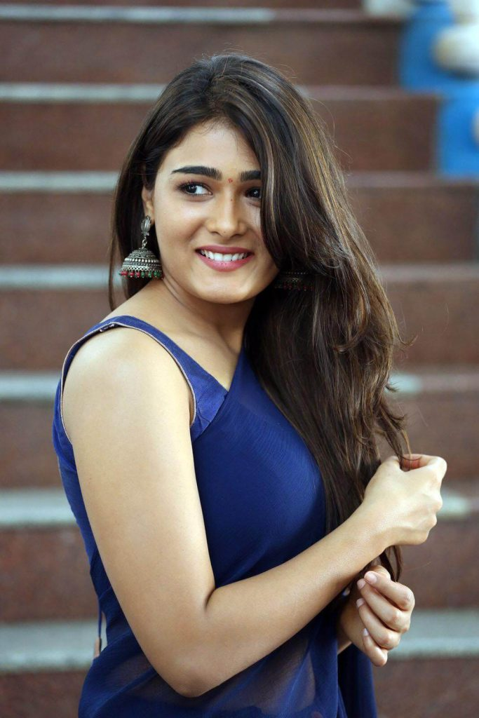 Shalini Pandey Height, Biography, Birthday, Family, Age, Details, Picture(image), Father, Date Of Birth, Boyfriend, Sister, Net Worth, Instagram, Twitter, Wiki, Facebook, Imdb (32)